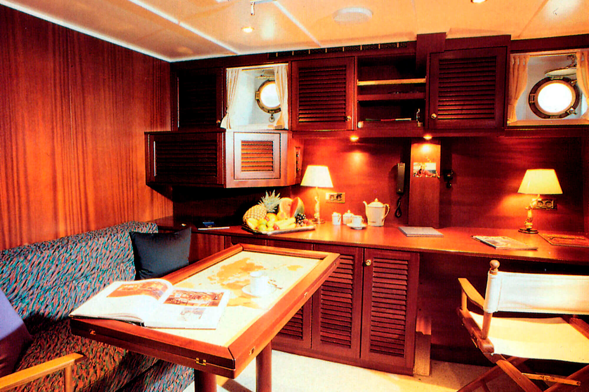 sy ashanti schnaase interior design hamburg. Black Bedroom Furniture Sets. Home Design Ideas